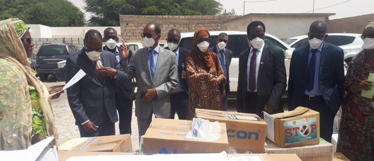 Article : Covid-19, Don de matériels de protection et de produits de l'UNFPA au Ministère de la Santé