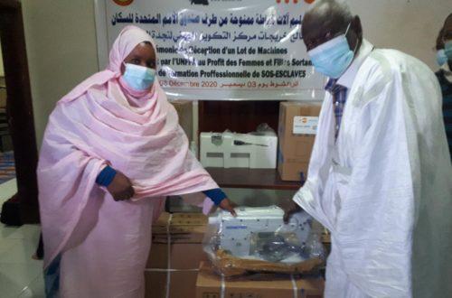 Article : L'UNFPA offre des machines à coudre à SOS Esclaves